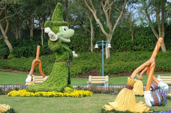 Mickey Mouse topiary at Hollywood Studios, Disney World Florida