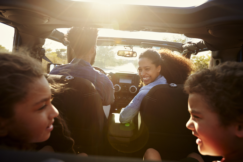 8 technology-free activities for long car rides to keep kids entertained