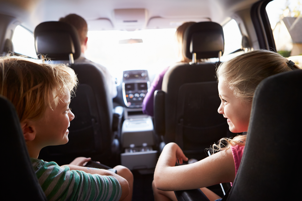 8 technology free activities to keep kids entertained on long road trips