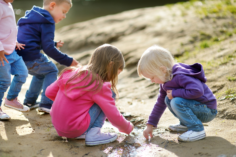 10 Tips for Hiking With Children. # 6 Play verbal games along the way or challenge your kids to collect odd-looking stones.